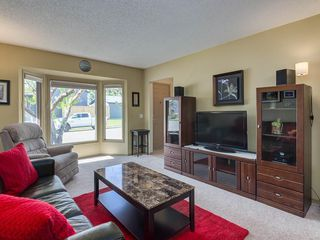 Photo 4: 16 RIVERVALLEY Crescent SE in Calgary: Riverbend Detached for sale : MLS®# C4298006