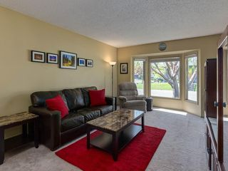 Photo 5: 16 RIVERVALLEY Crescent SE in Calgary: Riverbend Detached for sale : MLS®# C4298006