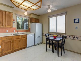 Photo 9: 16 RIVERVALLEY Crescent SE in Calgary: Riverbend Detached for sale : MLS®# C4298006