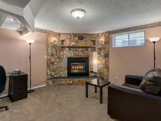 Photo 18: 16 RIVERVALLEY Crescent SE in Calgary: Riverbend Detached for sale : MLS®# C4298006