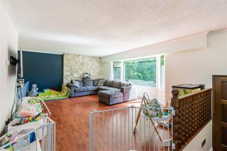 Photo 5: 8937 EDINBURGH Drive in Surrey: Queen Mary Park Surrey House for sale : MLS®# R2485380