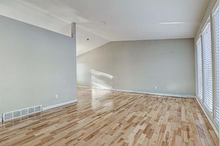 Photo 5: 11 Hawkslow Place NW in Calgary: Hawkwood Detached for sale : MLS®# A1050664