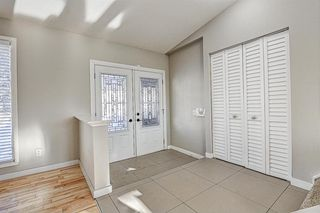 Photo 3: 11 Hawkslow Place NW in Calgary: Hawkwood Detached for sale : MLS®# A1050664