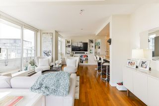 """Photo 4: 1802 821 CAMBIE Street in Vancouver: Downtown VW Condo for sale in """"Raffles on Robson"""" (Vancouver West)  : MLS®# R2527841"""