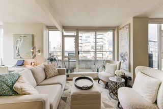 """Photo 7: 1802 821 CAMBIE Street in Vancouver: Downtown VW Condo for sale in """"Raffles on Robson"""" (Vancouver West)  : MLS®# R2527841"""