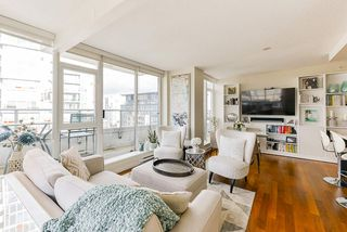 """Photo 5: 1802 821 CAMBIE Street in Vancouver: Downtown VW Condo for sale in """"Raffles on Robson"""" (Vancouver West)  : MLS®# R2527841"""