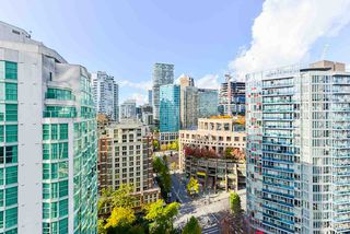 """Photo 12: 1802 821 CAMBIE Street in Vancouver: Downtown VW Condo for sale in """"Raffles on Robson"""" (Vancouver West)  : MLS®# R2527841"""