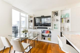 """Photo 8: 1802 821 CAMBIE Street in Vancouver: Downtown VW Condo for sale in """"Raffles on Robson"""" (Vancouver West)  : MLS®# R2527841"""