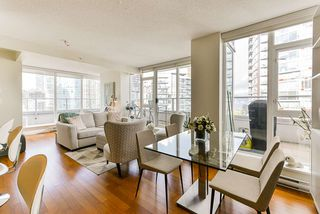 """Photo 2: 1802 821 CAMBIE Street in Vancouver: Downtown VW Condo for sale in """"Raffles on Robson"""" (Vancouver West)  : MLS®# R2527841"""