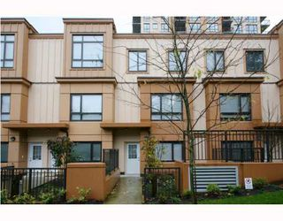 """Photo 1: 402 WESTVIEW Street in Coquitlam: Coquitlam West Townhouse for sale in """"ENCORE"""" : MLS®# V800235"""