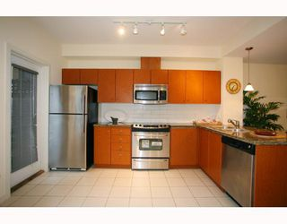 """Photo 4: 402 WESTVIEW Street in Coquitlam: Coquitlam West Townhouse for sale in """"ENCORE"""" : MLS®# V800235"""
