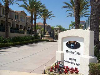 Photo 1: MISSION VALLEY Townhome for sale : 2 bedrooms : 938 Camino De La Reina #78 in San Diego