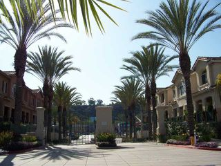 Photo 2: MISSION VALLEY Townhome for sale : 2 bedrooms : 938 Camino De La Reina #78 in San Diego
