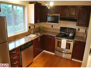 Photo 2: 110 2750 FAIRLANE Street in Abbotsford: Central Abbotsford Condo for sale : MLS®# F1101675