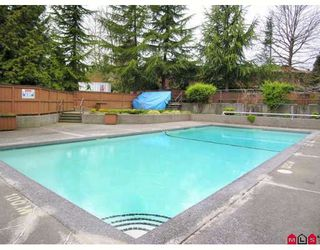 "Photo 9: 410 10620 150TH Street in Surrey: Guildford Townhouse for sale in ""LINCOLNS GATE"" (North Surrey)  : MLS®# F2826558"