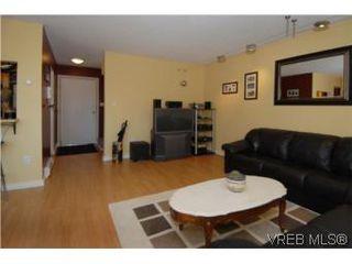 Photo 6: 308 1366 Hillside Ave in VICTORIA: Vi Oaklands Condo for sale (Victoria)  : MLS®# 504943