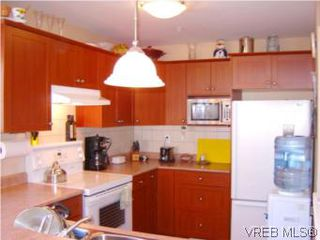 Photo 3: 24 172 Belmont Rd in VICTORIA: Co Colwood Corners Row/Townhouse for sale (Colwood)  : MLS®# 505257