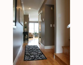 """Photo 2: 310 962 W 16TH Avenue in Vancouver: Cambie Condo for sale in """"WESTHAVEN"""" (Vancouver West)  : MLS®# V773685"""