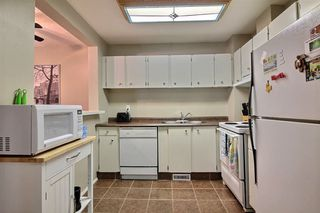 Photo 2: 415 WILLOW Court in Edmonton: Zone 20 Townhouse for sale : MLS®# E4172589