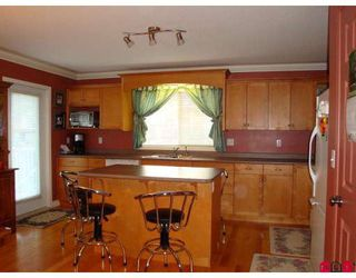"""Photo 3: 36185 LOWER SUMAS MTN Road in Abbotsford: Abbotsford East House for sale in """"MOUNTAIN VILLAGE"""" : MLS®# F2918242"""