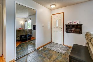 Photo 4: 7936 Huntwick Hill NE: Calgary Detached for sale : MLS®# C4302449