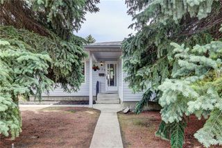 Photo 1: 7936 Huntwick Hill NE: Calgary Detached for sale : MLS®# C4302449