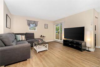 Photo 3: 106 3258 Alder St in Saanich: SE Quadra Condo Apartment for sale (Saanich East)  : MLS®# 835971