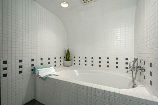 """Photo 16: 504 41 ALEXANDER Street in Vancouver: Downtown VE Condo for sale in """"CAPTAIN FRENCH"""" (Vancouver East)  : MLS®# R2487373"""