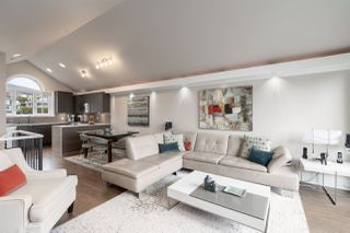 Photo 3: 1278 DUCHESS Avenue in West Vancouver: Ambleside House 1/2 Duplex for sale : MLS®# R2507909