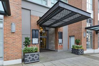 """Photo 19: 604 15152 RUSSELL Avenue: White Rock Condo for sale in """"Miramar - Tower """"A"""""""" (South Surrey White Rock)  : MLS®# R2508829"""