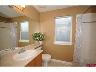 "Photo 8: 60 16388 85TH Avenue in Surrey: Fleetwood Tynehead Townhouse for sale in ""CAMELOT VILLAGE"" : MLS®# F2922687"