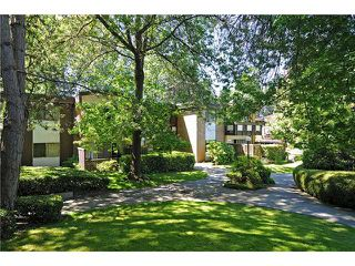 """Photo 1: 8 5515 OAK Street in Vancouver: Shaughnessy Condo for sale in """"Shawnoaks"""" (Vancouver West)  : MLS®# V860014"""
