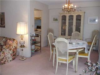 """Photo 2: 8 5515 OAK Street in Vancouver: Shaughnessy Condo for sale in """"Shawnoaks"""" (Vancouver West)  : MLS®# V860014"""