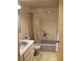 """Photo 7: 8 5515 OAK Street in Vancouver: Shaughnessy Condo for sale in """"Shawnoaks"""" (Vancouver West)  : MLS®# V860014"""