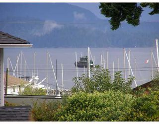 """Main Photo: 28 696 TRUEMAN Road in Gibsons: Gibsons & Area Townhouse for sale in """"MARINA PLACE"""" (Sunshine Coast)  : MLS®# V737202"""