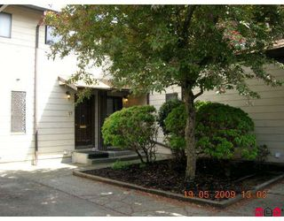 """Main Photo: 26 2050 GLADWIN Road in Abbotsford: Central Abbotsford Townhouse for sale in """"CROMPTON GREEN"""" : MLS®# F2912214"""