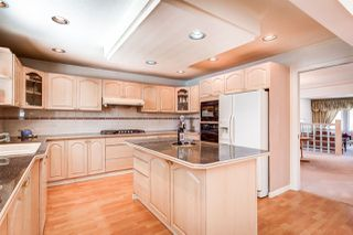 Photo 10: 7461 ALMOND Place in Burnaby: The Crest House for sale (Burnaby East)  : MLS®# R2389664