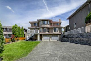 Photo 2: 7461 ALMOND Place in Burnaby: The Crest House for sale (Burnaby East)  : MLS®# R2389664
