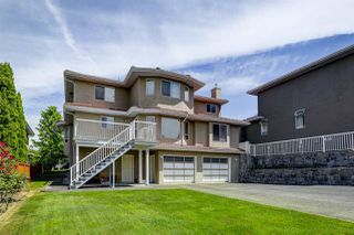 Photo 3: 7461 ALMOND Place in Burnaby: The Crest House for sale (Burnaby East)  : MLS®# R2389664
