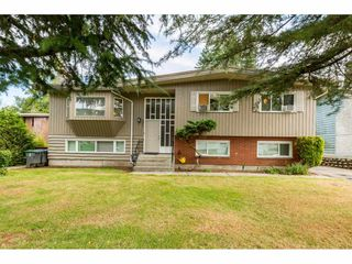 Photo 1: 10882 145A Street in Surrey: Bolivar Heights House for sale (North Surrey)  : MLS®# R2396979