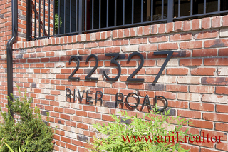 "Photo 4: 302 22327 RIVER Road in Maple Ridge: West Central Condo for sale in ""REFLECTIONS ON THE RIVER"" : MLS®# R2400929"