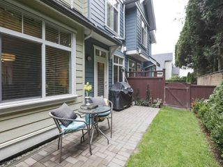 Photo 16: 8 4910 CENTRAL Avenue in Delta: Hawthorne Townhouse for sale (Ladner)  : MLS®# R2407270