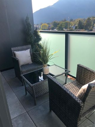 """Photo 7: 607 38013 THIRD Avenue in Squamish: Downtown SQ Condo for sale in """"THE LAUREN"""" : MLS®# R2415297"""
