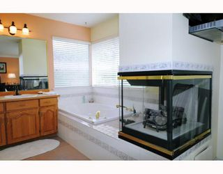 """Photo 8: 47 22488 116TH Avenue in Maple Ridge: East Central Townhouse for sale in """"RICHMOND HILL ESTATES"""" : MLS®# V780986"""