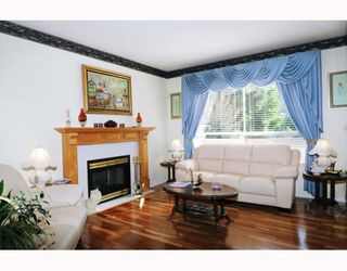 """Photo 2: 47 22488 116TH Avenue in Maple Ridge: East Central Townhouse for sale in """"RICHMOND HILL ESTATES"""" : MLS®# V780986"""