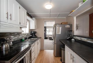 """Photo 3: 21 95 LAIDLAW Road in Smithers: Smithers - Rural Manufactured Home for sale in """"MOUNTAIN VIEW MOBILE HOME PARK"""" (Smithers And Area (Zone 54))  : MLS®# R2441463"""