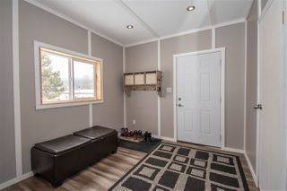 """Photo 2: 21 95 LAIDLAW Road in Smithers: Smithers - Rural Manufactured Home for sale in """"MOUNTAIN VIEW MOBILE HOME PARK"""" (Smithers And Area (Zone 54))  : MLS®# R2441463"""