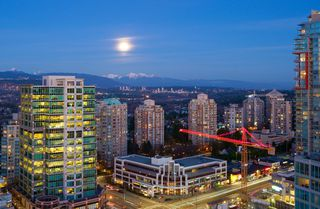 """Main Photo: 1901 6088 WILLINGDON Avenue in Burnaby: Metrotown Condo for sale in """"RESIDENCES AT THE CRYSTAL"""" (Burnaby South)  : MLS®# R2450261"""