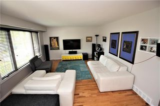 Photo 3: 35 Barrington Avenue in Winnipeg: Norberry Residential for sale (2C)  : MLS®# 202015331