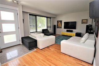 Photo 5: 35 Barrington Avenue in Winnipeg: Norberry Residential for sale (2C)  : MLS®# 202015331